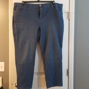 24W Reg Length Gloria Vanderbilt Amanda Jeans